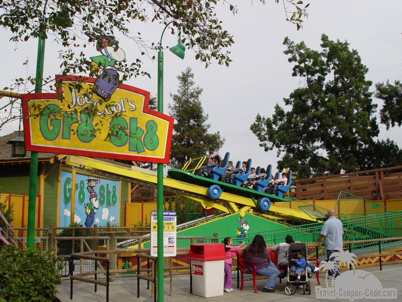 Knotts Berry Farm Attraction